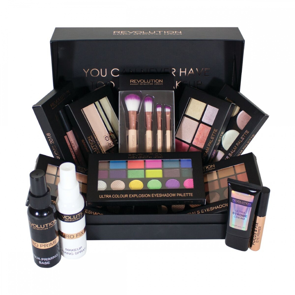 Makeup revolution advent calendar christmas tree