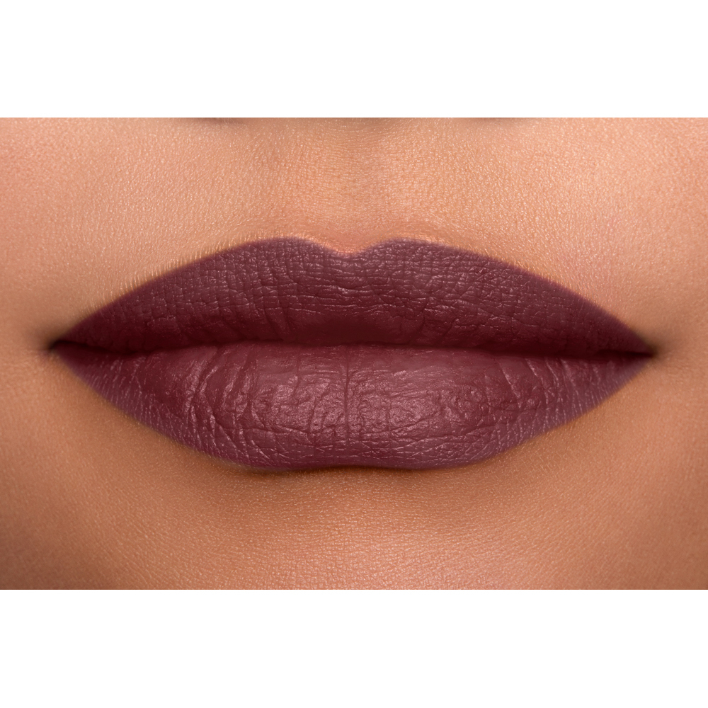 NYX Professional Makeup матово червило - Suede Matte Lipstick - 06 Lolita (SDMLS06)