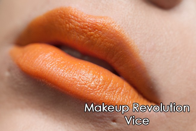 Makeup Revolution rossetto - Scandalous - Vice
