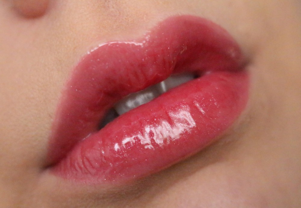 Revolution lip gloss - Hot