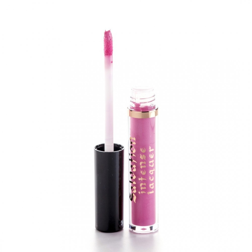 Makeup Revolution Intense lip gloss - Gave You All My Love