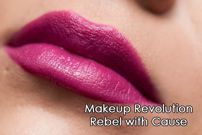 Makeup Revolution ruž - Vamp Collection - Rebel With Cause