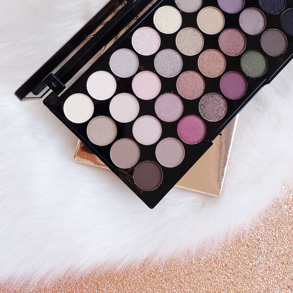 Makeup Revolution palette di 32 ombretti - Flawless