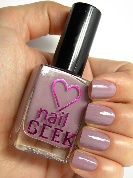 I Heart Makeup lak za nohte - Nail Geek - Knowing Me 21 D